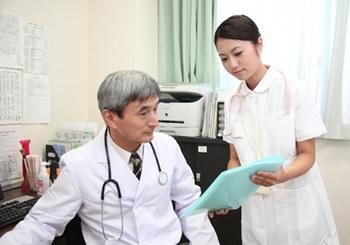 医者と看護師.jpg